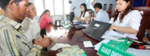 """Where can """"NEWLY ESCAPED FROM POVERTY"""" Households in Vietnam access micro credit?"""