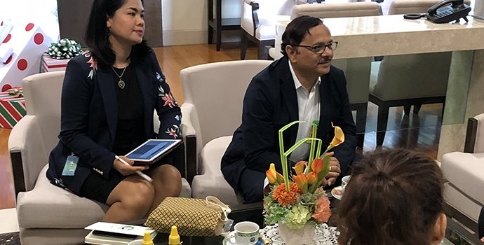 The Secretary General discussing important activities to be organize by APRACA with Mr. Apirom Sukpasert, President, BAAC
