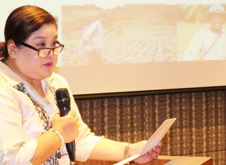 Ms.  Jocelyn Badiola, Executive Director of ACPC, Philippines, Welcomes the Participants of the National Dissemination Forum held in Manila.